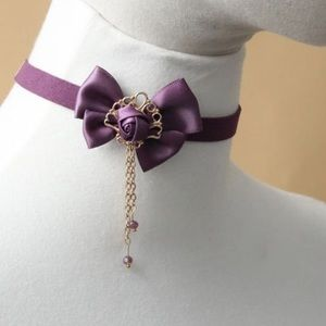 Jewelry - Bow and rose choker